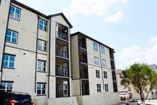 The Mont is Austin's Latest Luxury Apartment Complex